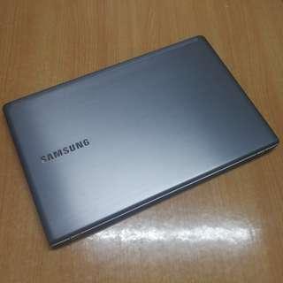 """Samsung NP470R5E 15.6"""" i5"""