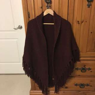 Roots burgundy triangle shaped knitted shawl
