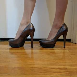 Dark grey metallic tall heels size 6