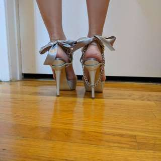 Ribbon nude tall heels size 6