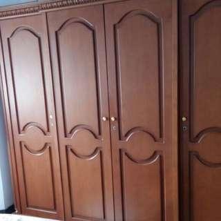 Lemari kayu 4 pintu