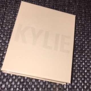 Kylie Jenner Highlighter French vanilla