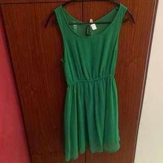 H&M 清新森林綠雪紡紗質洋裝 正韓 Zara 可參考