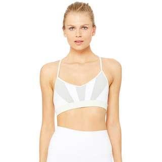 Brand New Alo Yoga radiance bra in XS