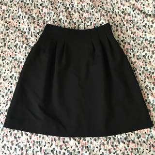 Cue black skirt size 6 (xs)
