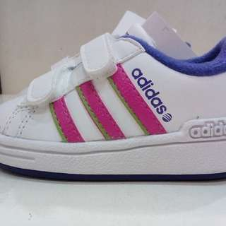 Adidas Authentic  size :14-15 cm