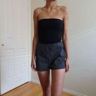 Black/white shorts