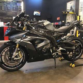 Selling BMW S1000RR 2017