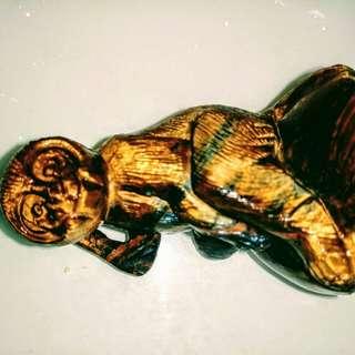 貓眼石猴雕