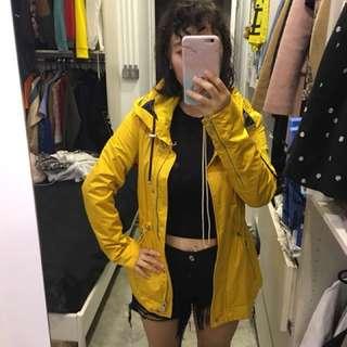 Zara 黃色風衣 顯瘦 收腰