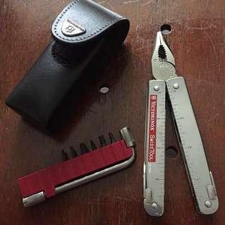 Victorinox Swisstool plus multi tool