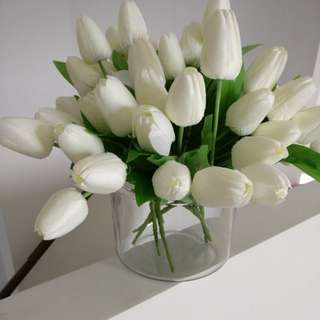 Soft touch silk artificial tulips