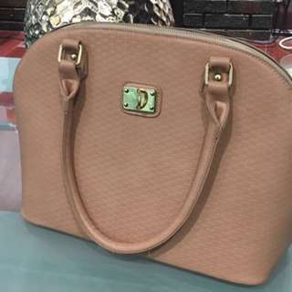 Light pink brand new purse never used