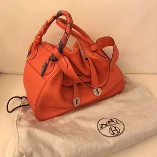 Authentic Hermes Lindy 30 in Orange Poppy  85% new