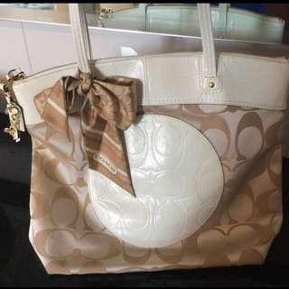 Coach bag authentic!!