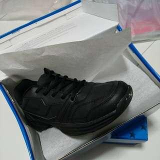 Black School Shoe Size:41