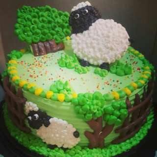 Shaun the seep b'day cake