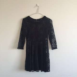 Bardot Lace Dress 🌑