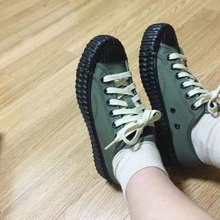 🚚 Excelsior餅乾鞋 煙燻綠/黑 24號