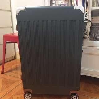 墨綠色行李箱26吋