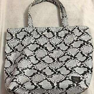 Head porter snake print tote bag (large)