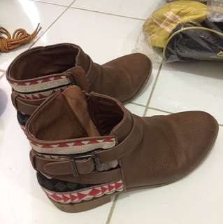 Divided boot (H&M)