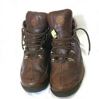 Sepatu Timberland model semi boots