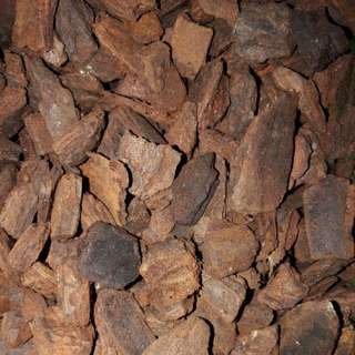PREMIUM WOOD CHIP / size 9 -12mm / per pkt 2kg $10  ( Product of New Zealand )