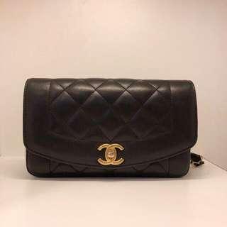 正品 90%新 Chanel 黑色羊皮金色雙鍊袋 可斜揹 新款復古型