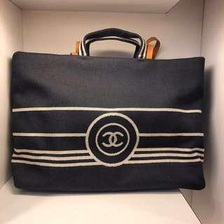 正品 全新 Chanel 牛仔布手挽上膊袋 大Size
