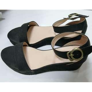 厚底黑色涼鞋 23半