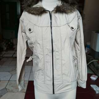 Jaket Bulu Wanita