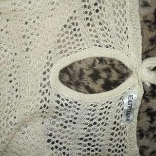 Sweater crop jaring rajut