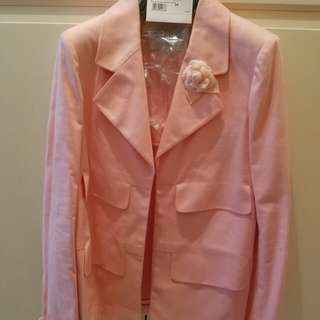 Chanel 2017 Cruise Cuba collection pink jacket with brooch