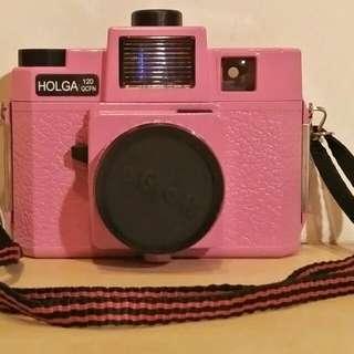 LOMO【HOLGA 】120 GCFN 內建四色閃光燈底片相機-桃紅色(8成新、免運)