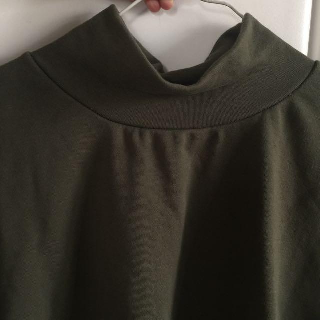 微高領 墨綠色七分袖上衣
