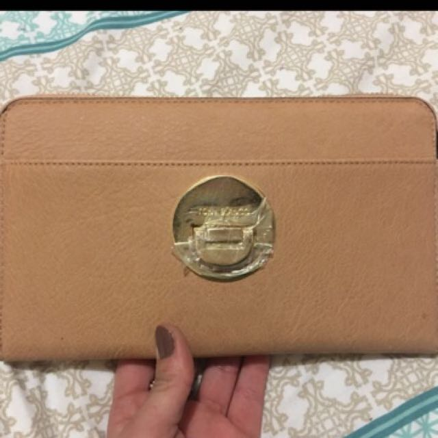 ** SALE - ONLY FOR TODAY ** Tony Bianca Clutch