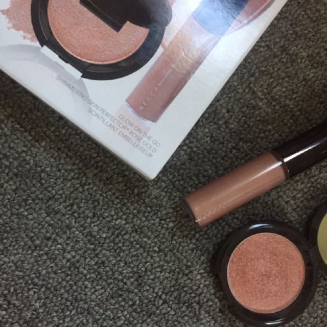 Becca glow on the go