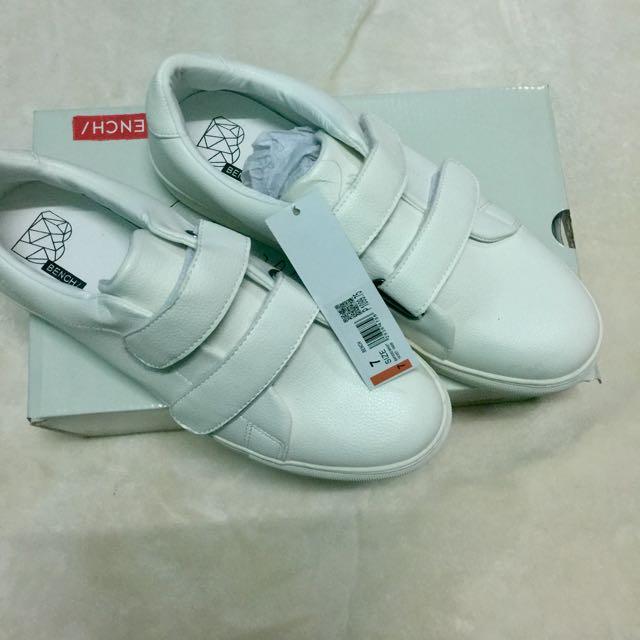 bench footwear