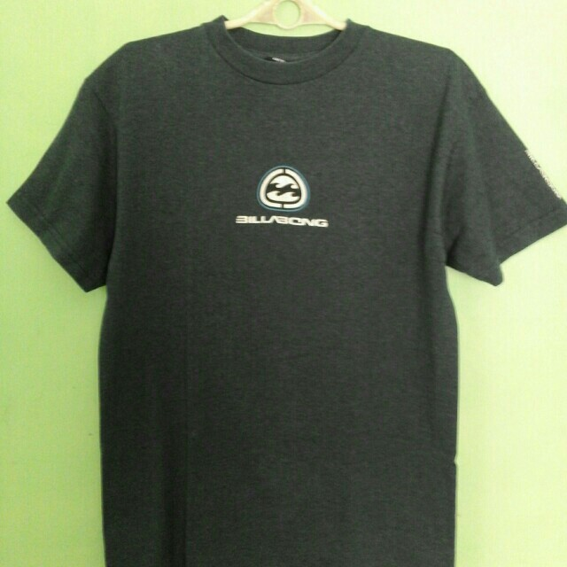 Billabong T-shirt  (Medium)