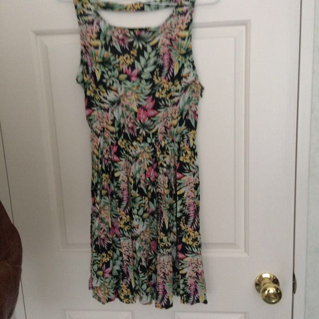 BNWOT Floral dress size 8