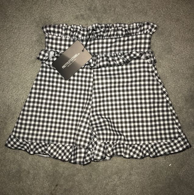 BNWT pretty little thing high waisted gingham shorts