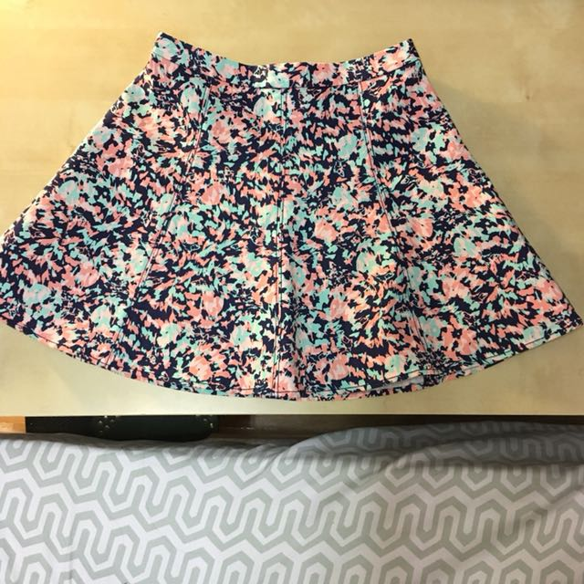 Brand new Club Monaco Skirt
