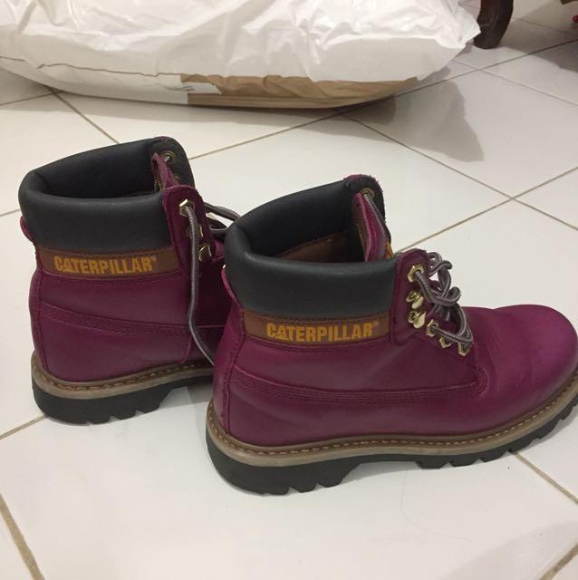 Caterpillar boots magenta