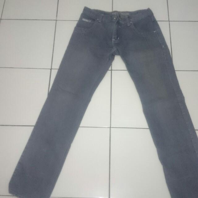 Celana jeans number 61