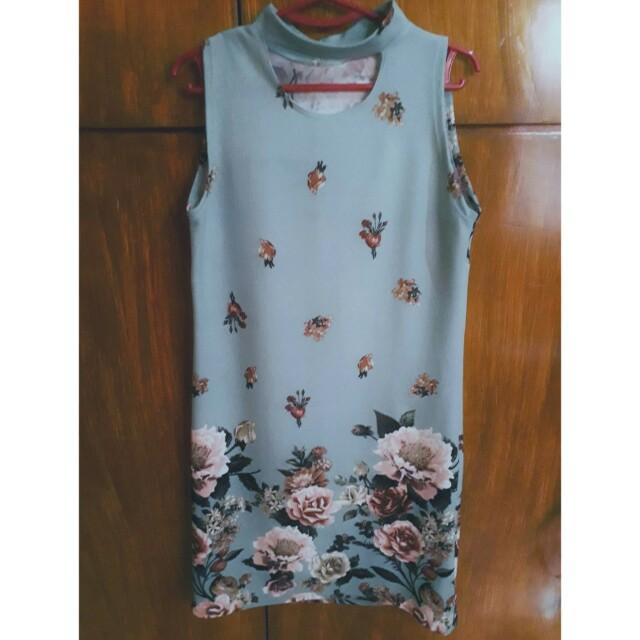 Choker floral dress
