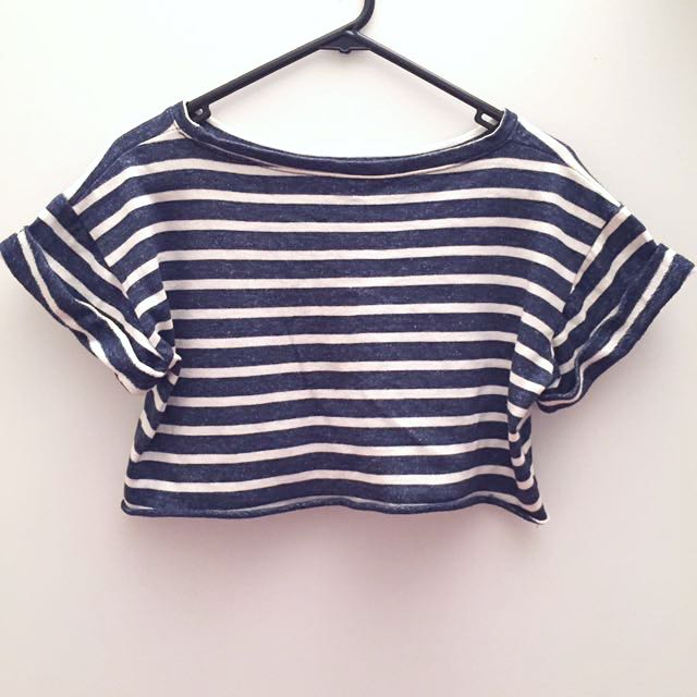 Crop Top With White Stripes