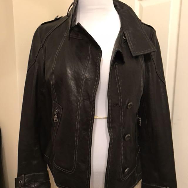 Danier black leather Moto jacket XS (fits like Sz S or 6)