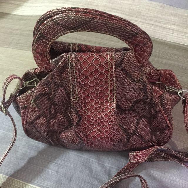double zipped handbag w/ long strap