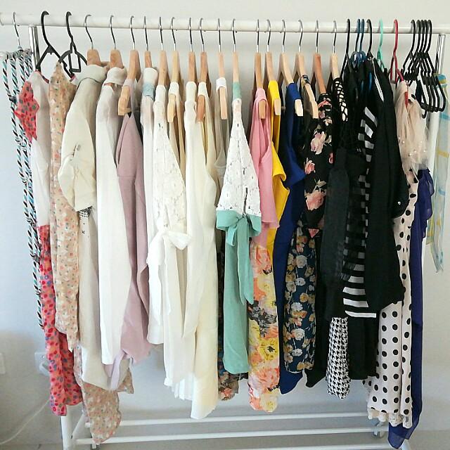 Dresses / Tops